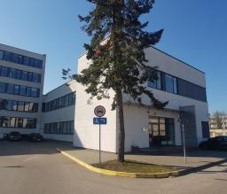 Renovuotas administracinis pastatas Žirmūnų Verslo Centre